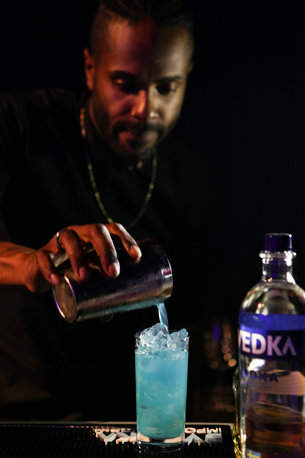 Pouring blue drink 1500.jpg
