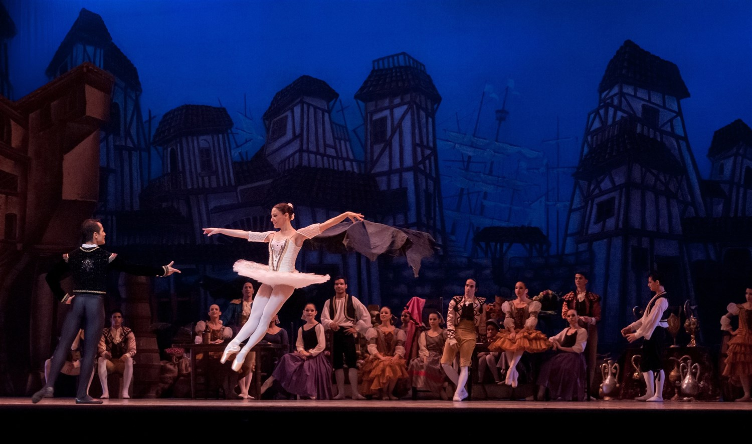 Skiing exceptional mountains by day then enjoying exceptional ballet by night is standard operating procedure in Salt Lake City. D reamstime