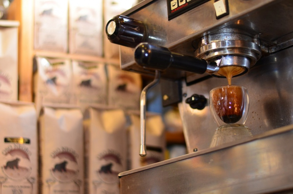 """Oso Negro is Spanish for """"Black Bear""""—but in Nelson, BC it might as well be slang for """"perfect espresso shot.""""  Courtesy Oso Negro"""