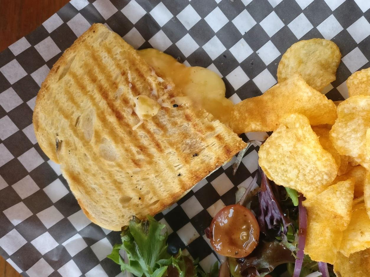 Fernie Alpine Resort 's Extreme Grilled Cheese melts powder pigs' hearts at the mountaintop Lost Boys Cafe.  © Ski Travel Go