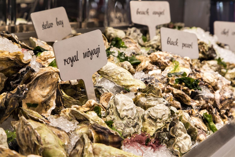 Araxi 's oyster bar. Steve Li | Courtesy Toptable Group