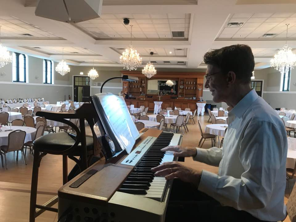 Robert Ollis Music Director