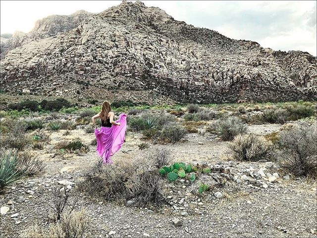There are so many reasons to celebrate!  I always try to dress for the occasion which is everyday.  The pink skirt made me what to dance in the desert 🌵 so that's just what I did! Skirt: @goodwillsacnev #dancing #desertvibes #redrockcanyon #sustainablefashion #whyweadventure #travelblogger