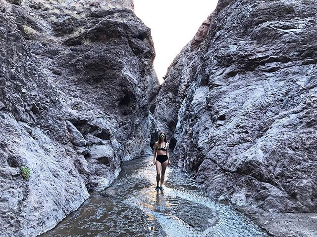 I could explore the amazing rock formations of these canyons for days.  This weekend has been filled with the stunning beauty and natural wonders of Black Rock Canyon like this amazing path carved into stone by a constant stream of water. 📷 @justinjones1987  #whywelovenature #travelgram #naturelovers #getoutside #blackrockcanyon