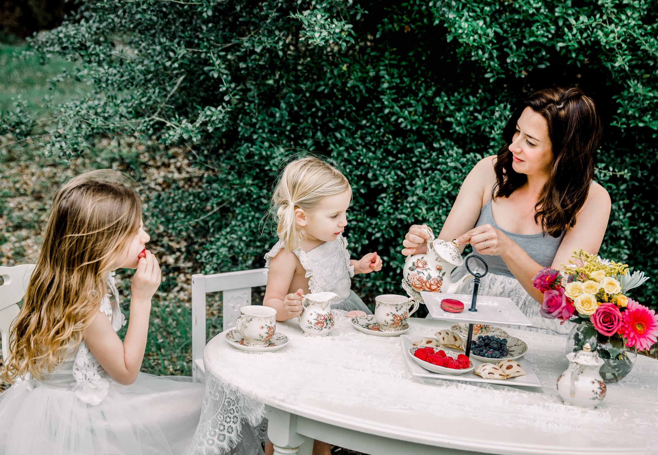 lifestyle-family-photographer-franklin-tea-time-3.jpg