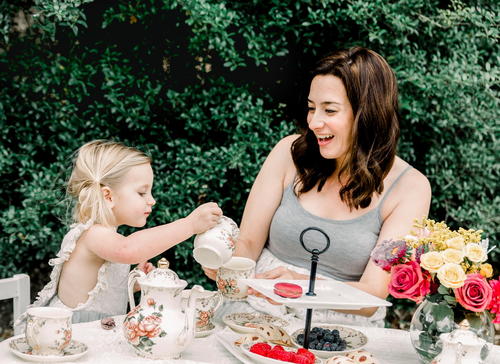 lifestyle-family-photographer-franklin-tea-time-4.jpg
