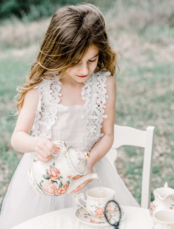 lifestyle-family-photographer-franklin-tea-time-7.jpg