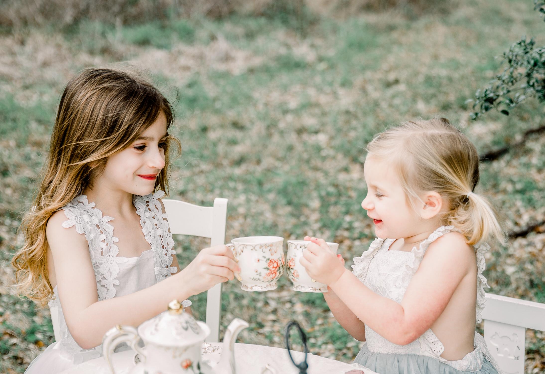 lifestyle-family-photographer-franklin-tea-time-8.jpg