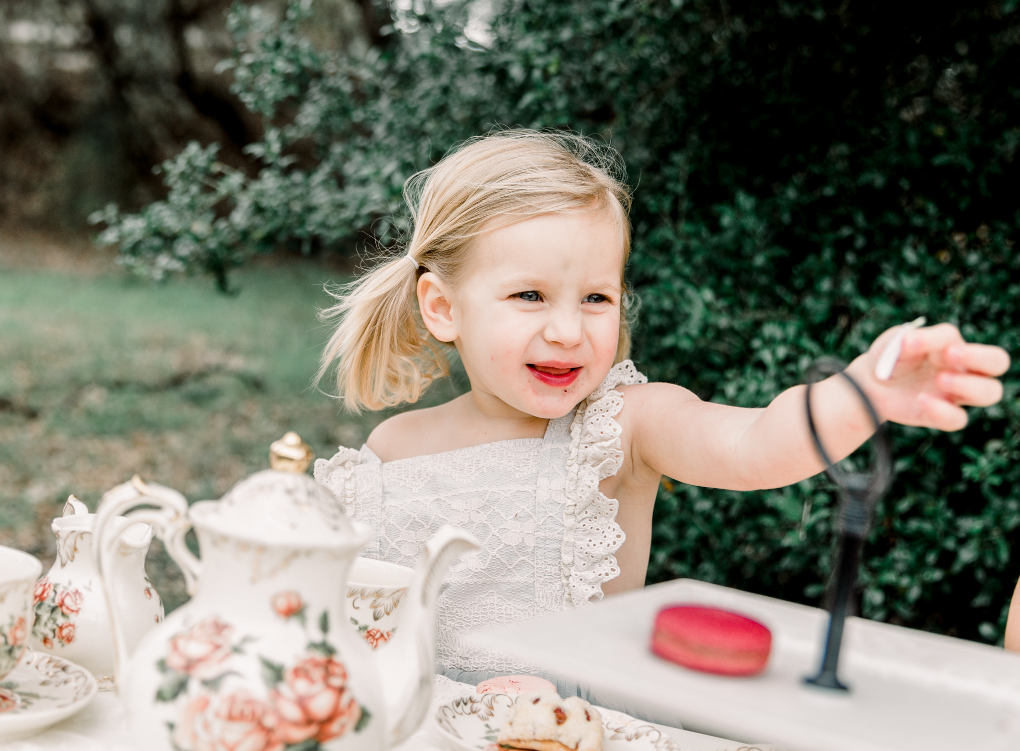 lifestyle-family-photographer-franklin-tea-time-15.jpg