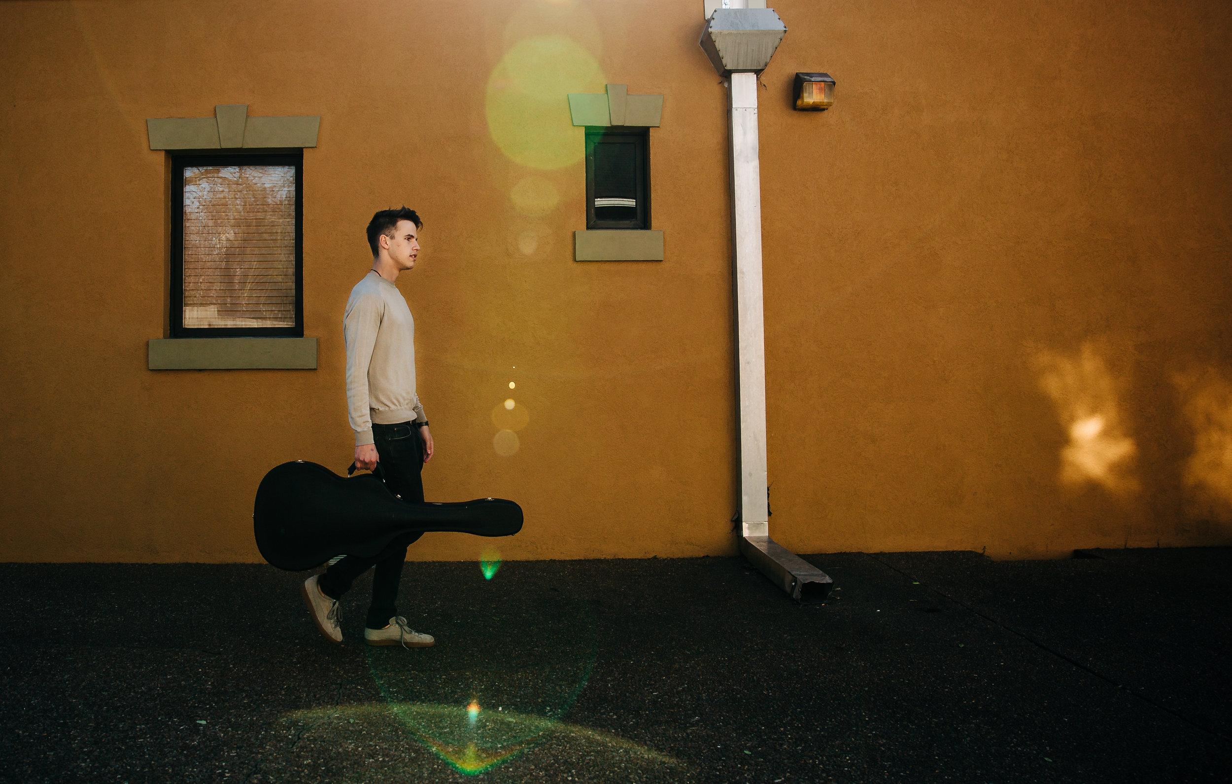 lifestyle-photographer-senior-session-downtown-franklin-6.jpg