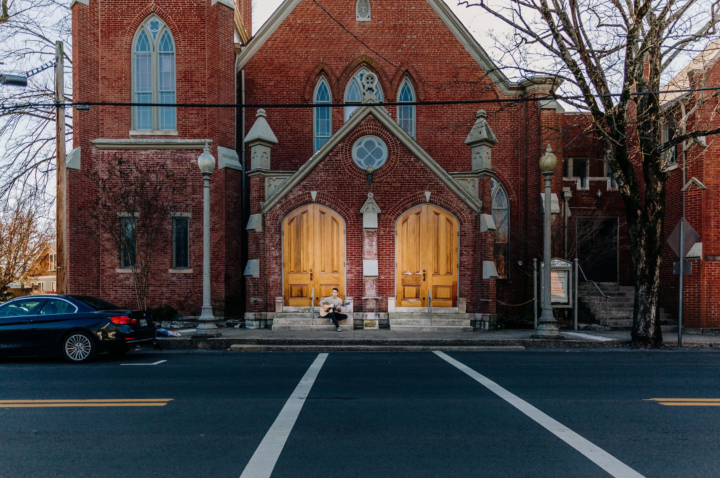 lifestyle-photographer-senior-session-downtown-franklin-16-2.jpg