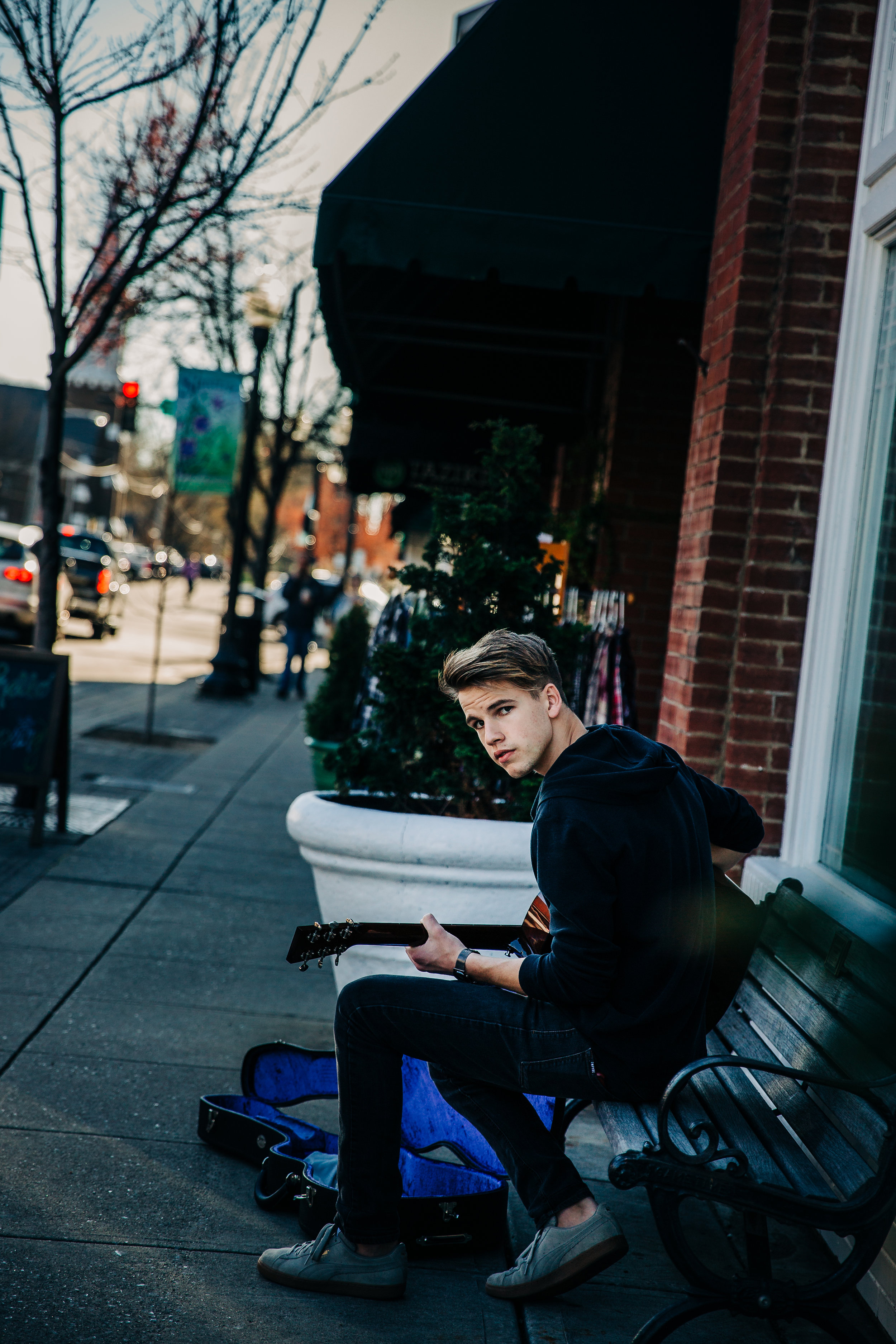 lifestyle-photographer-senior-session-downtown-franklin-79.jpg