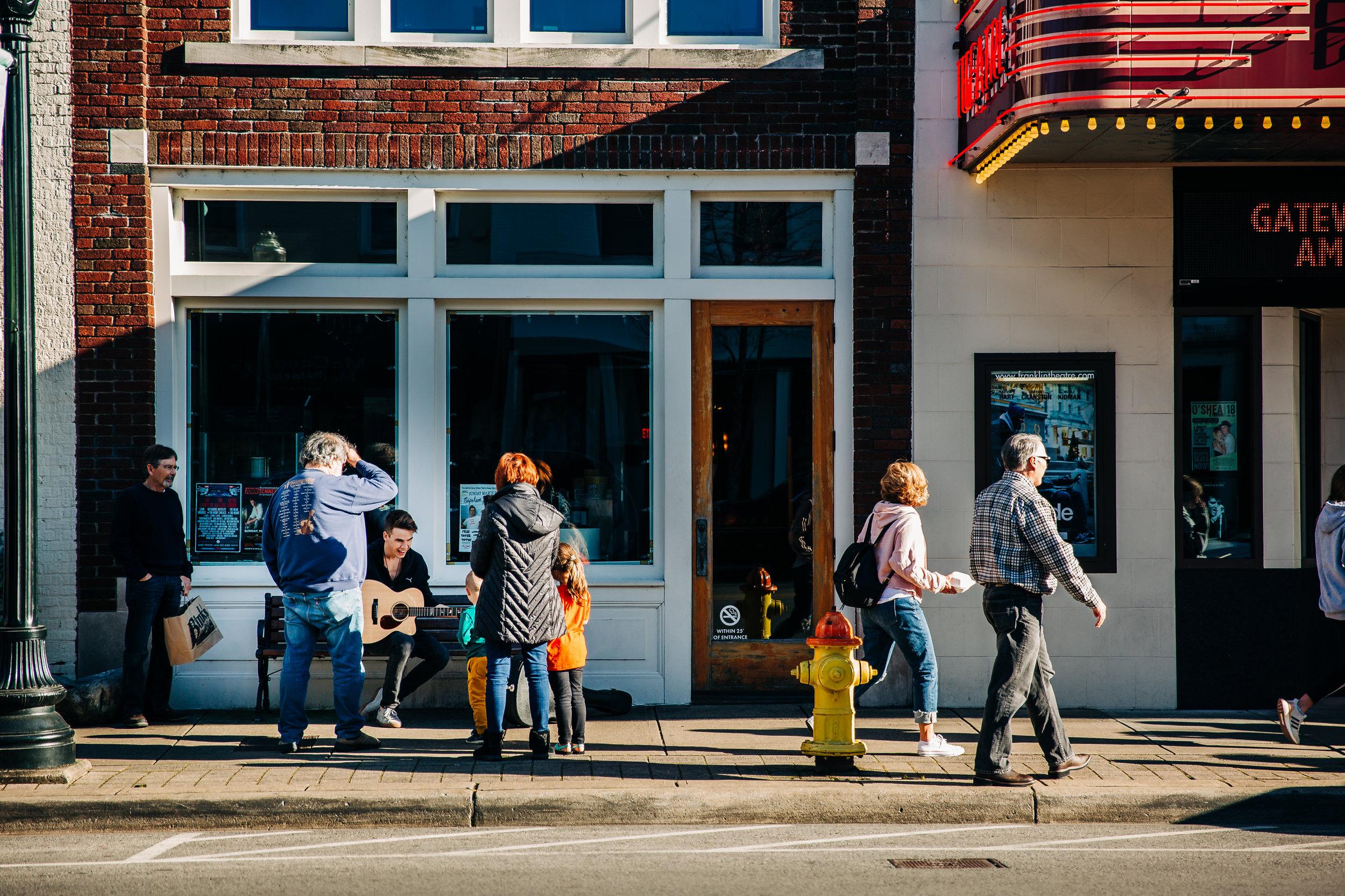lifestyle-photographer-senior-session-downtown-franklin-83.jpg