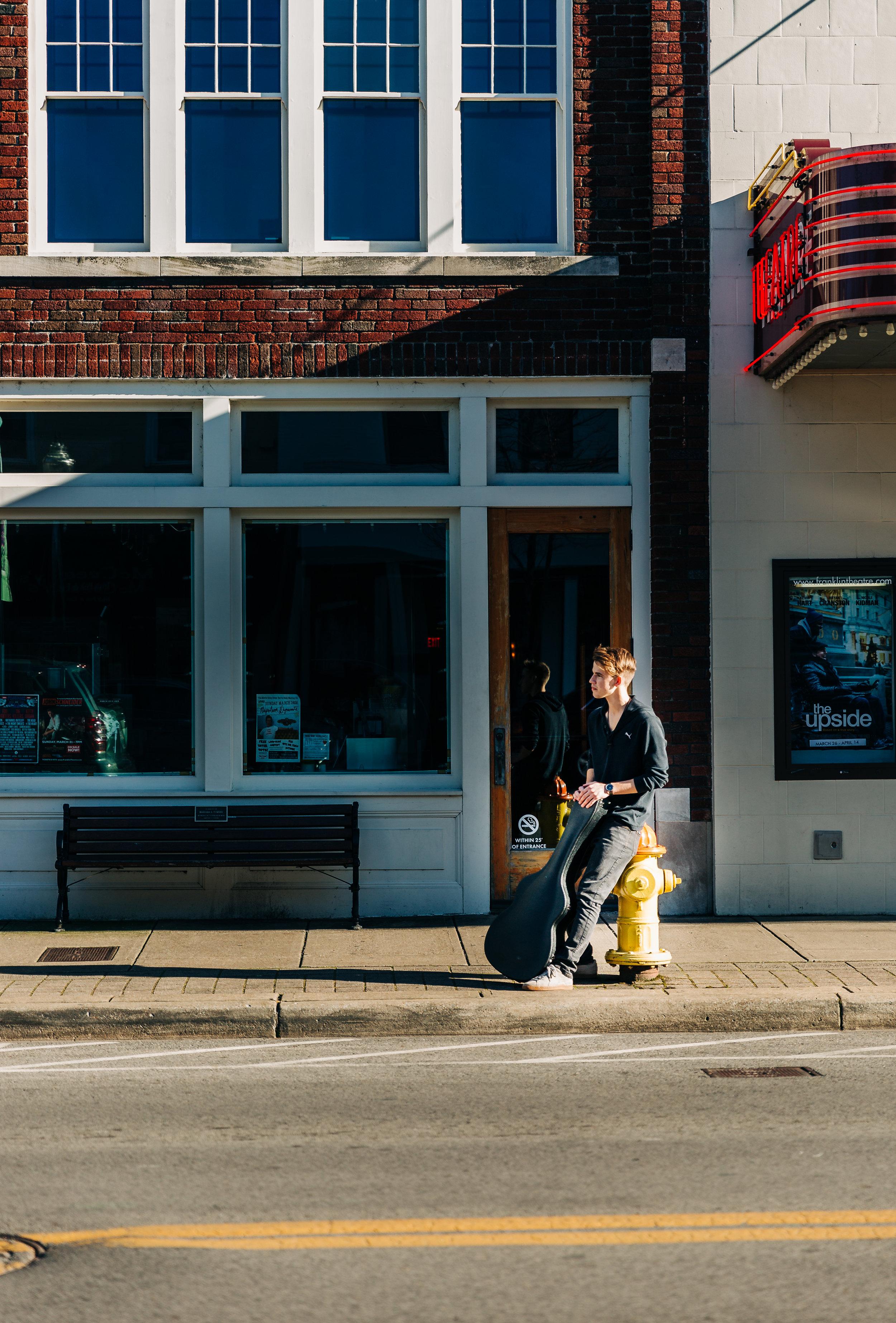 lifestyle-photographer-senior-session-downtown-franklin-85.jpg