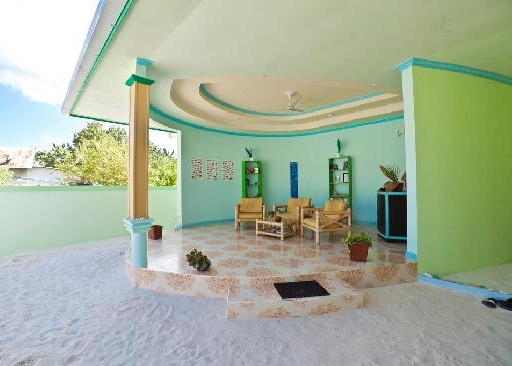 palm-villa-yard.jpg