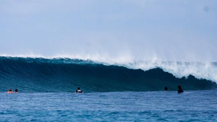 surfing-maldives_jailbreaks-surf.jpg