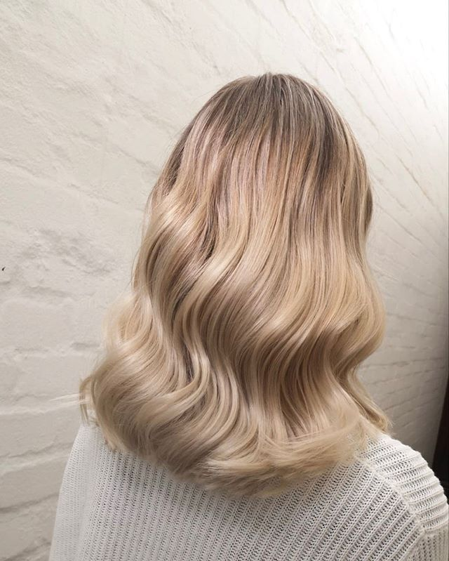 Another incredible transformation by @maremuller_hairandmakeupartist . . . .  #guyschopshop #guydoeshair #stellenbosch #stellenboschhair #capetownhair #capetown  #wellaeducation #wellaprofessionals #freelights #colortouch #whywella #wellahair #wellalove #wellalife #askforwella #illuminacolor