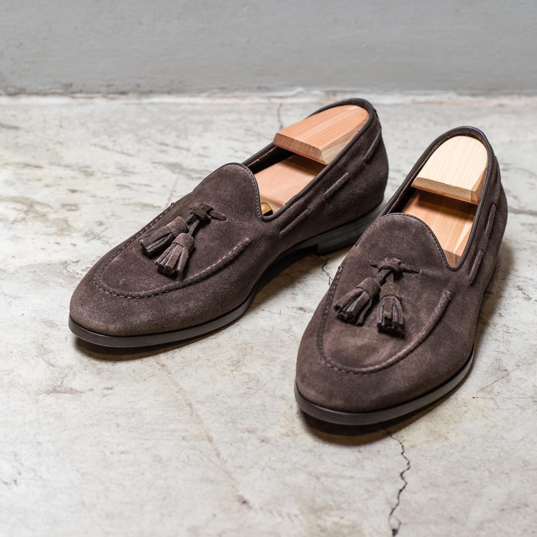 SHOE    2800 Sek   Suede shoe, tassel. darkbrown, goodyear