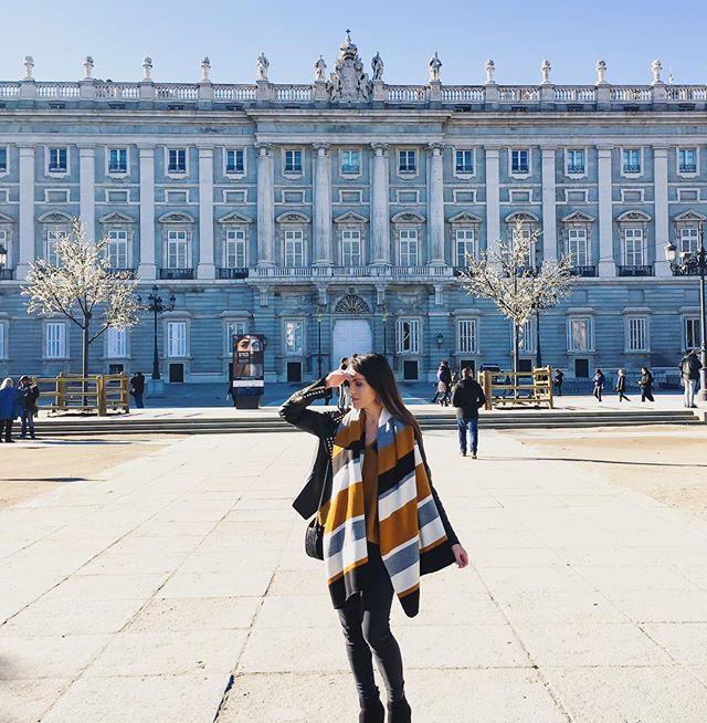 Hola Madrid ! ☀️ Cela fait bien longtemps que je n'ai pas posté de photos de mes voyages 🤭 un peu lazy cette année 🤷🏻♀️ #madrid #voyage #travel #december #citybreak #newyear