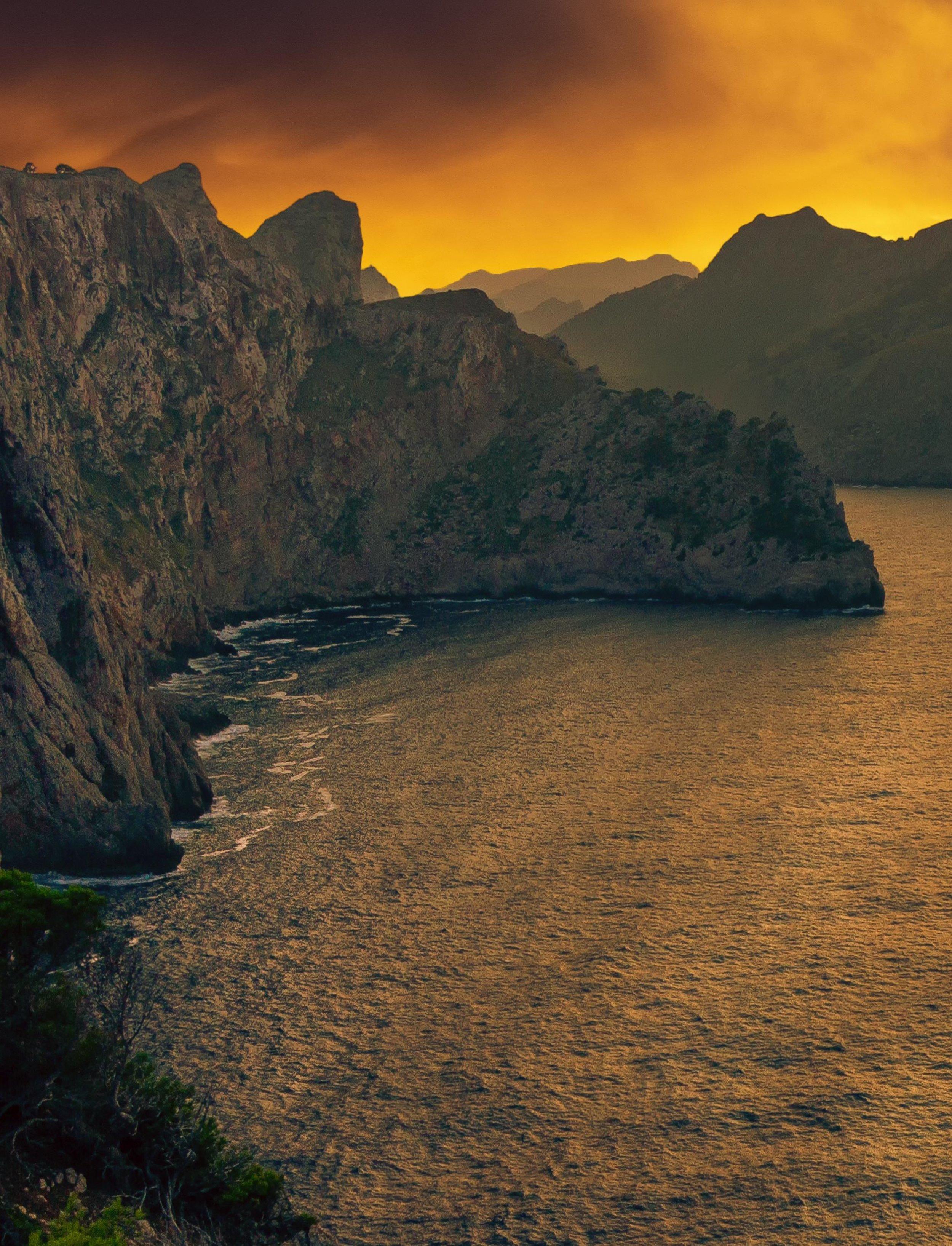 landscape-3948324_2crop.jpg