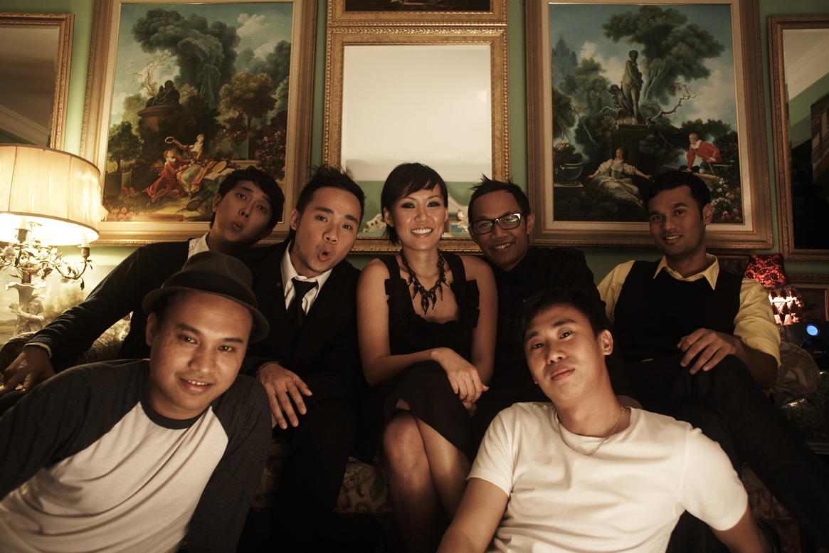 The GSE Family at Flower Show Riot's Photo Shoot.jpg