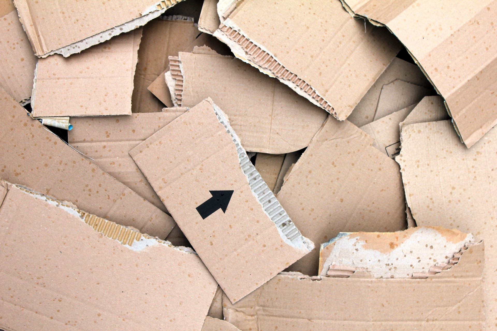 corrugated-cardboard-3853506_1920.jpg