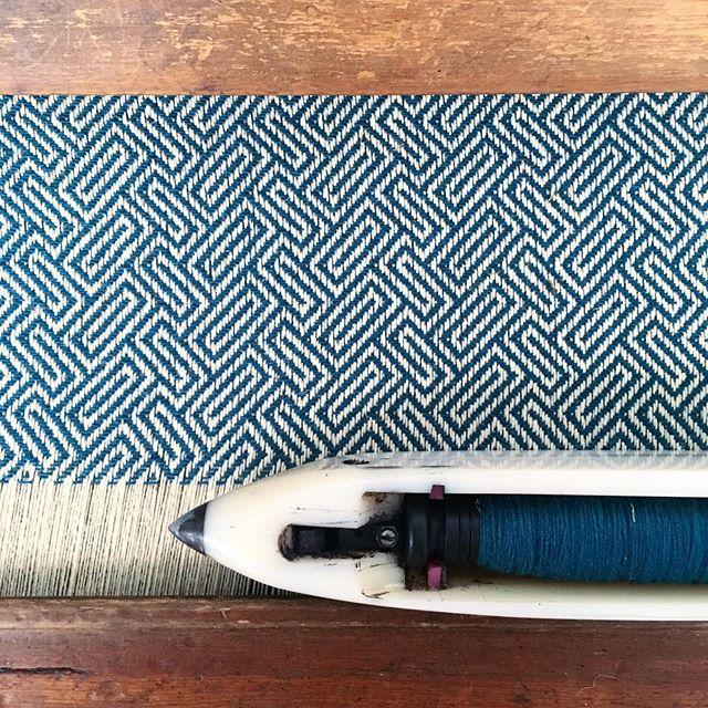 { notas de uma viagem } • • • #barbudoaborrecido #boredbeardedman #burelfactory #manteigas #serradaestrela #burel #wool #weaving #weavingportugal #macramemovement #macramemakers #macrame #textilelandscape #textileartist #textileart #makersmovement #makersgonnamake #wanderlust #portugal #craftsmagazine #crafts #craftsmanship #portugalmanual