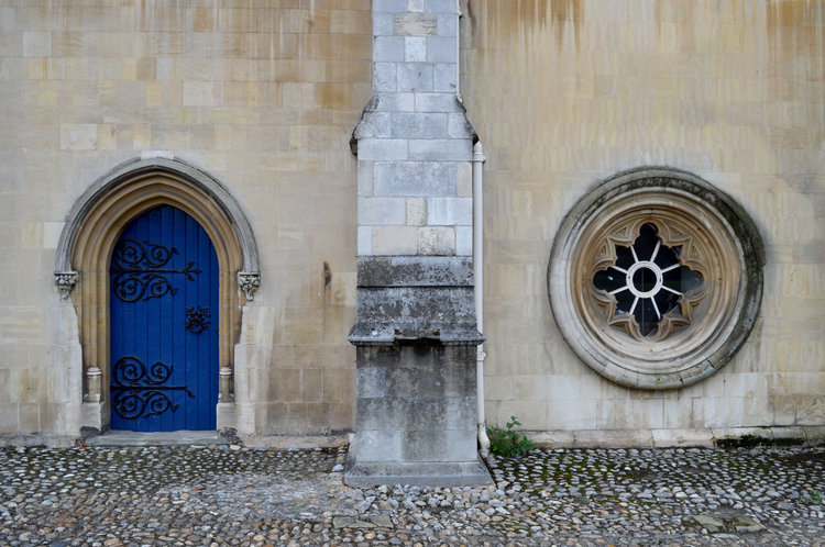 crypt-entrance_orig.jpg