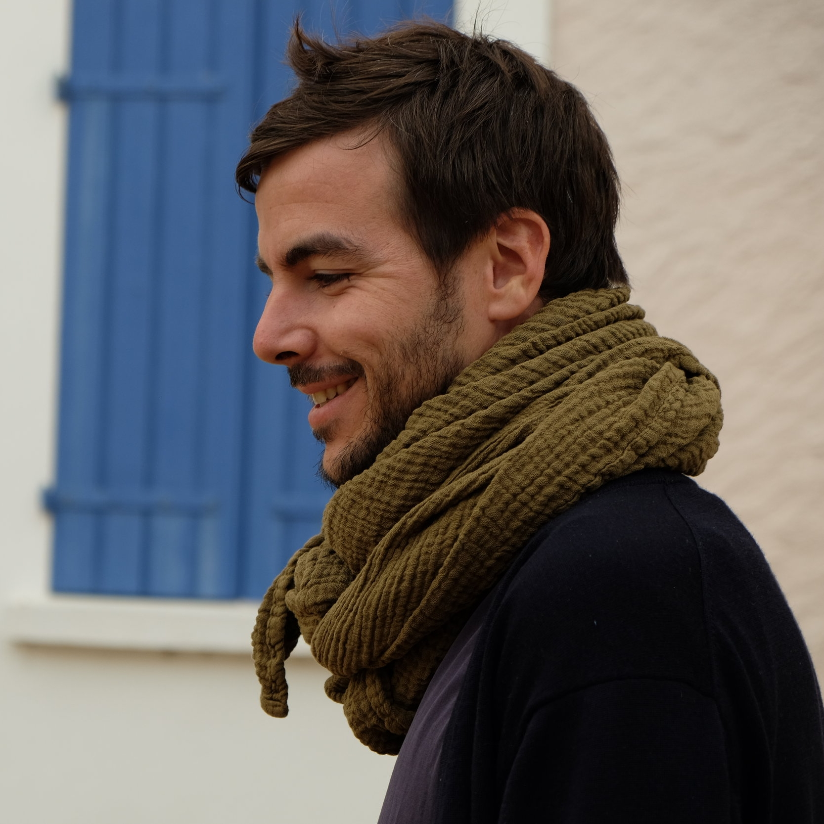 THE all-in-one SCARF - For meditation, for travels, for beach days and nights… made locally and sustainably, this scarf is a winner. Wayda scarf, 78€Image: wayda