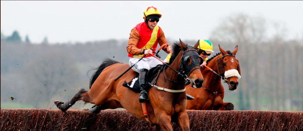 Graceful Legend and Max Kendrick jump the last to win at Newbury