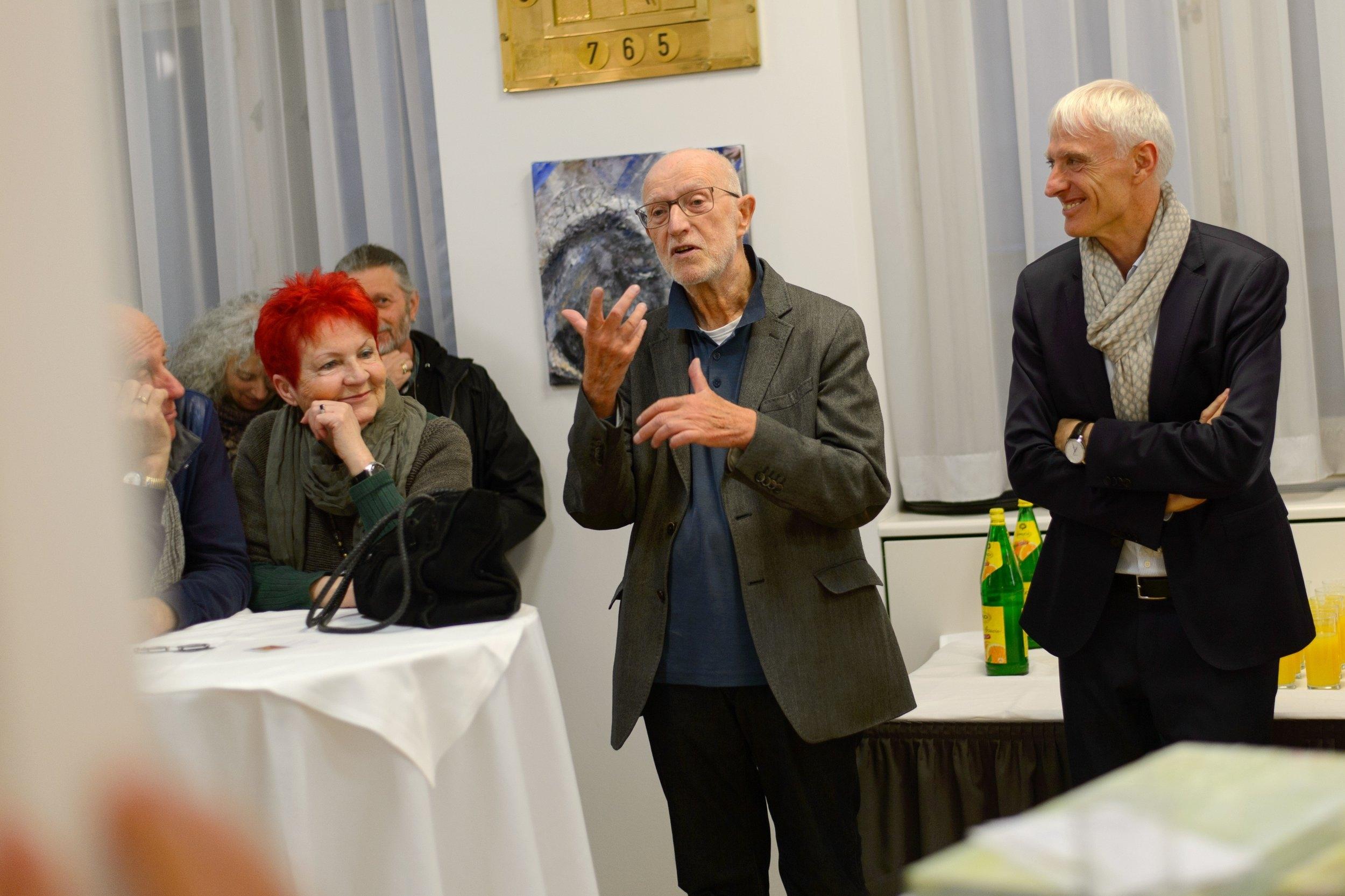 Einleitende Worte von Galerist Manfred Lang und Dr. Hans-Peter Petutschnig ( Wiener Ärztekammer)