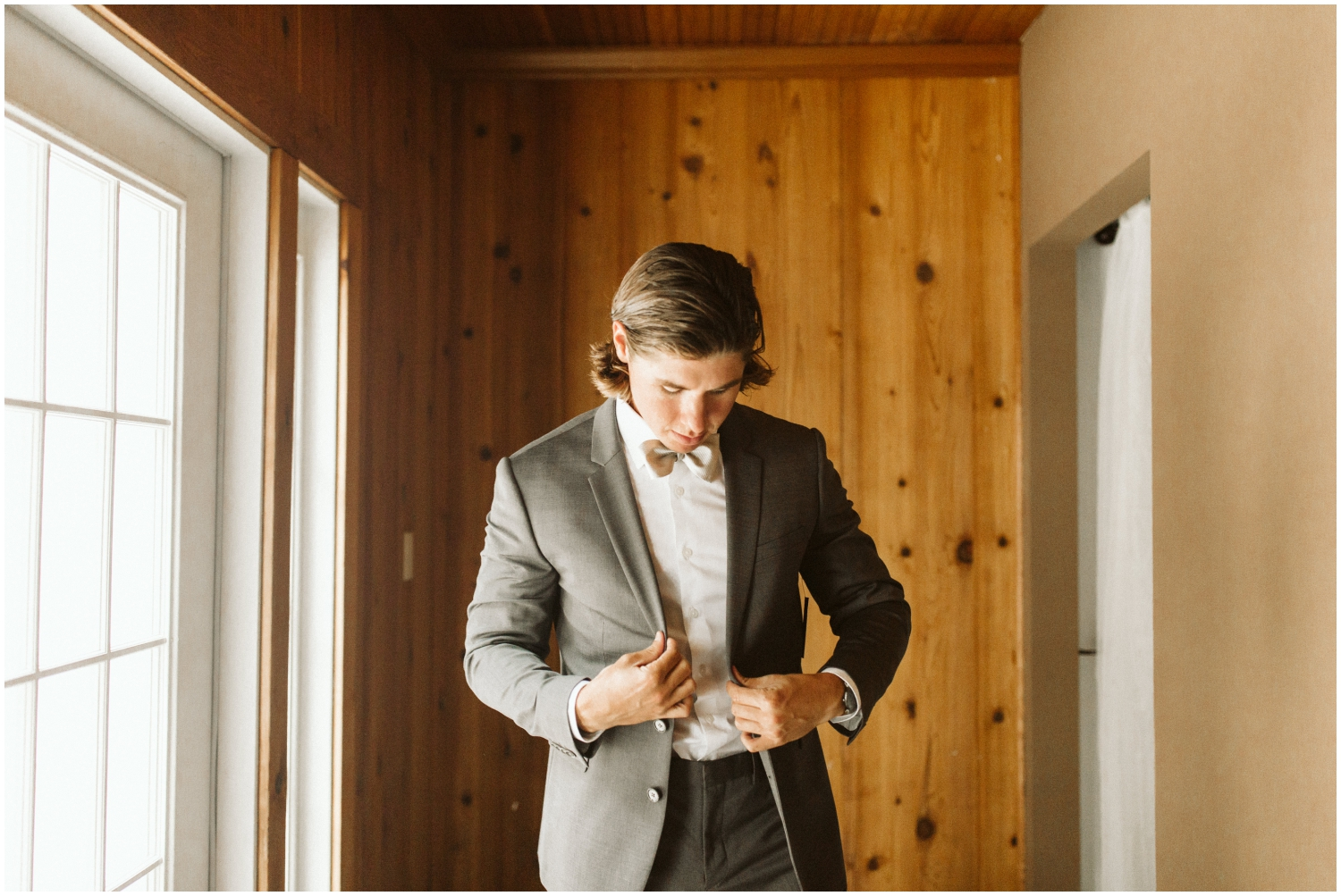 Groom getting ready for his Florida wedding