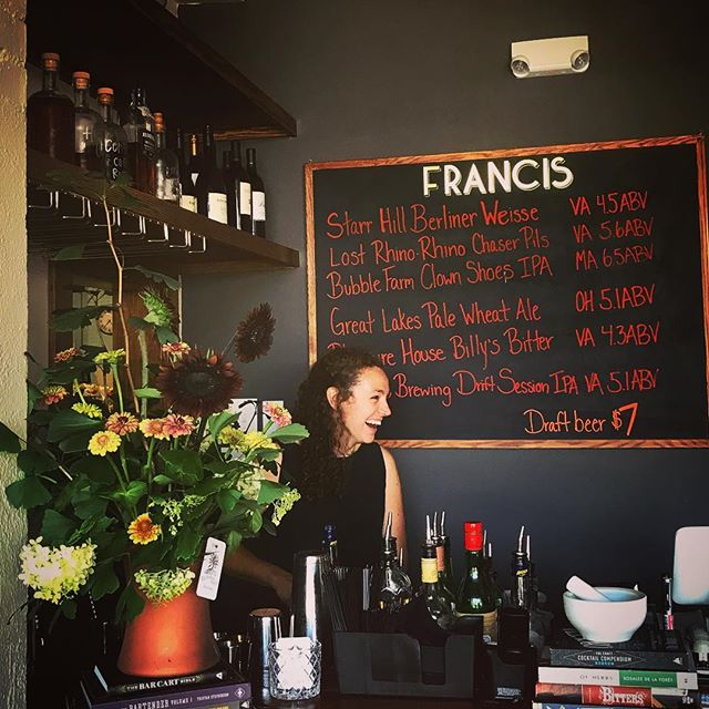 Friday Francis flowers! Thanks @flourishroot for spiffing up our space.  Start your weekend off right with Maya, Jenny and a cocktail. #barfrancisfridays #francisbarsperryville #thorntonrivergrille #flourishrootflorals #wildrootsapothecary #friyay #sperryvilleva