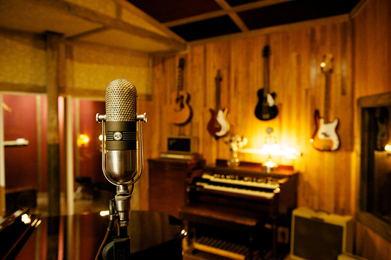 Как забронировать музыкальную студию, чтобы хватило времени на запись