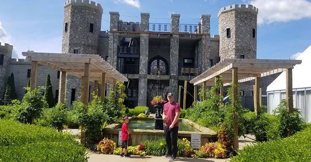 Having lunch with the fam.  #castle #kentucky #Travel #roadtrip #roadlife #djlife