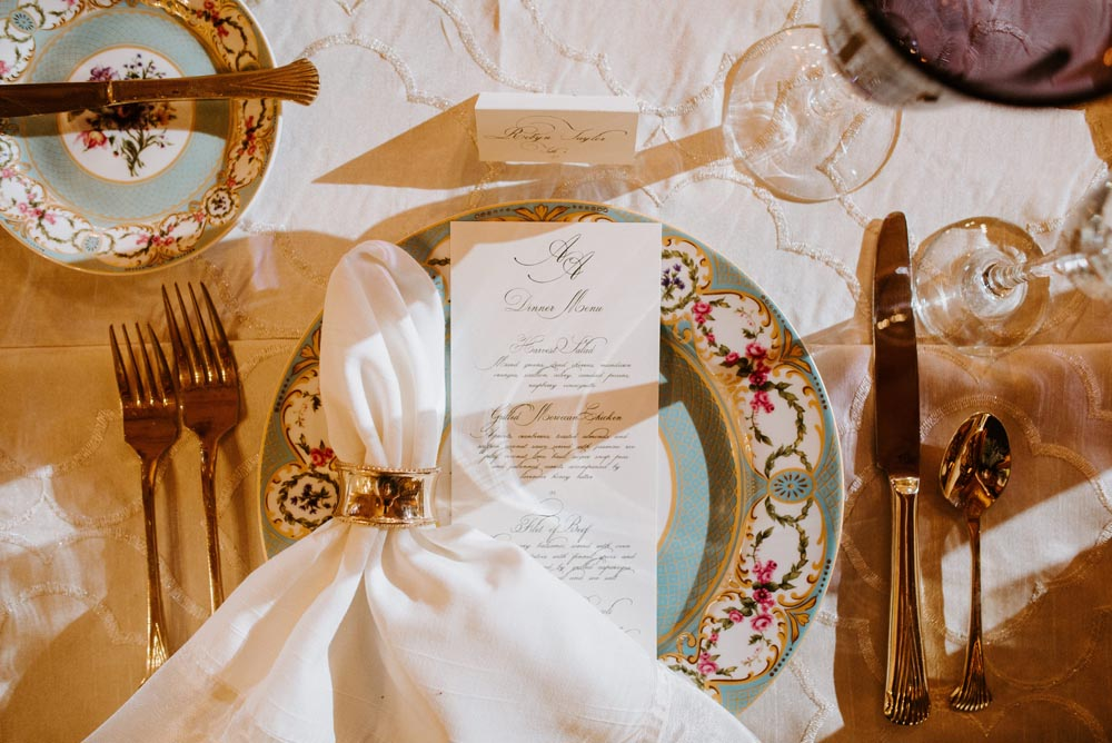 17 michigan-wedding-planner-chic-luxury-events-place-setting.jpg