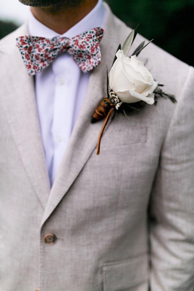 4 wedding-bout-arrangement-white-rose-wedding-planner-luxurious.jpg