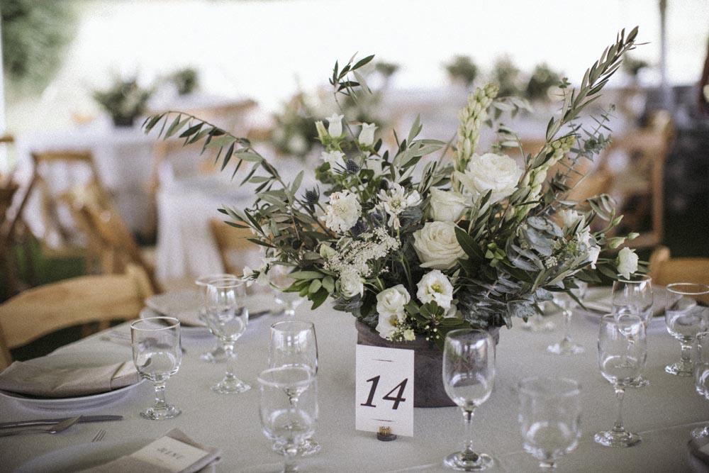 20 chic-classic-monochrome-wedding-designer-neutral.jpg