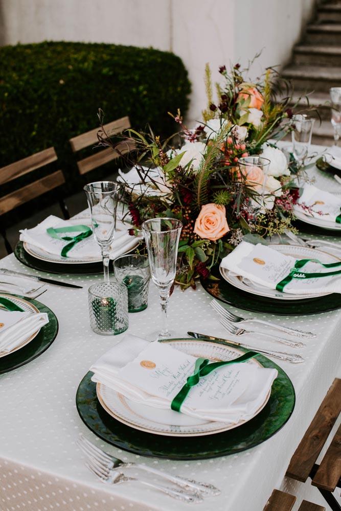 14 elegant-emerald-inspired-editorial-grosse-point-war-memorial-wedding.jpg