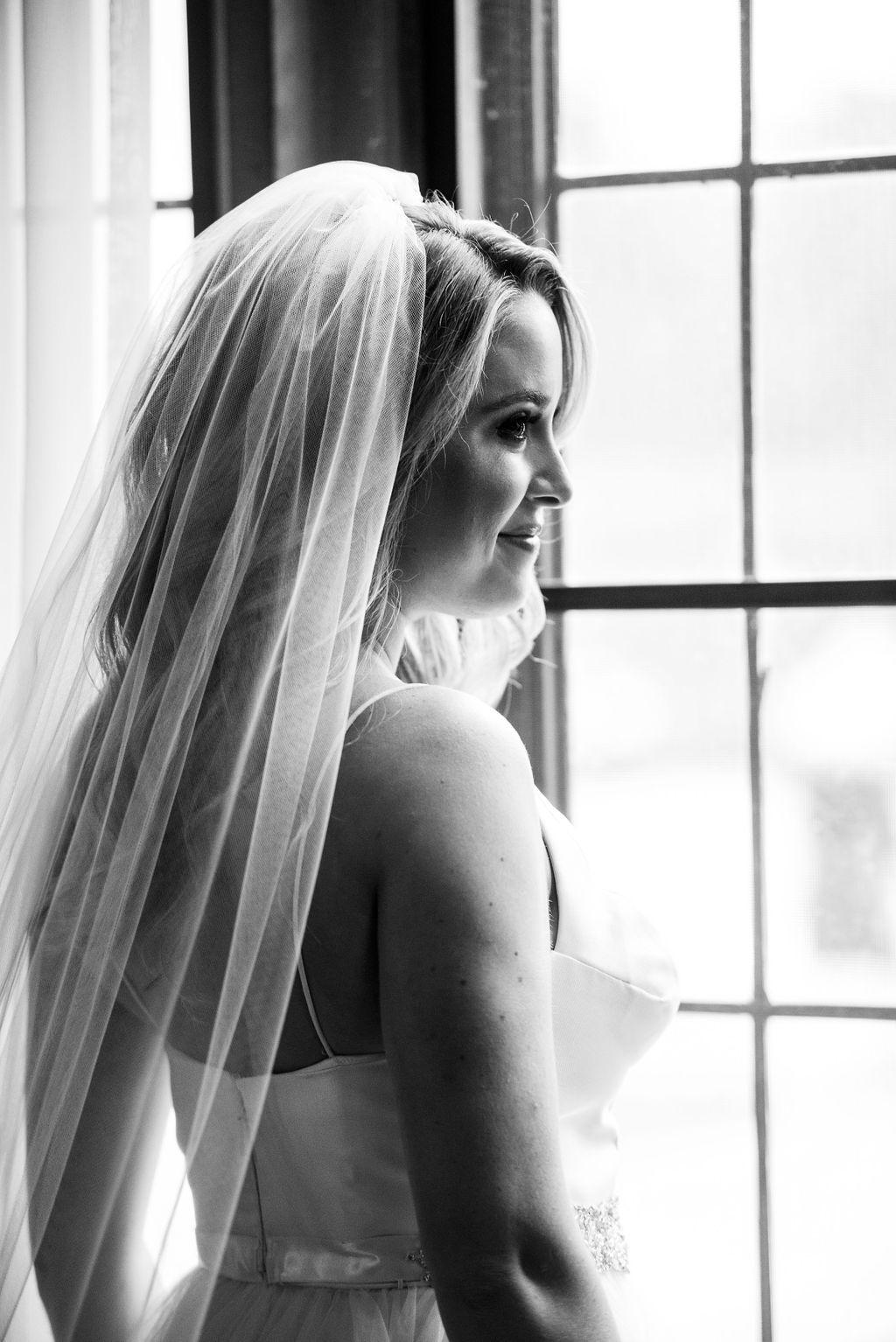 black-and-white-modern-wedding-designers-michigan-fresh-fashion-forward-wedding-planners.jpg