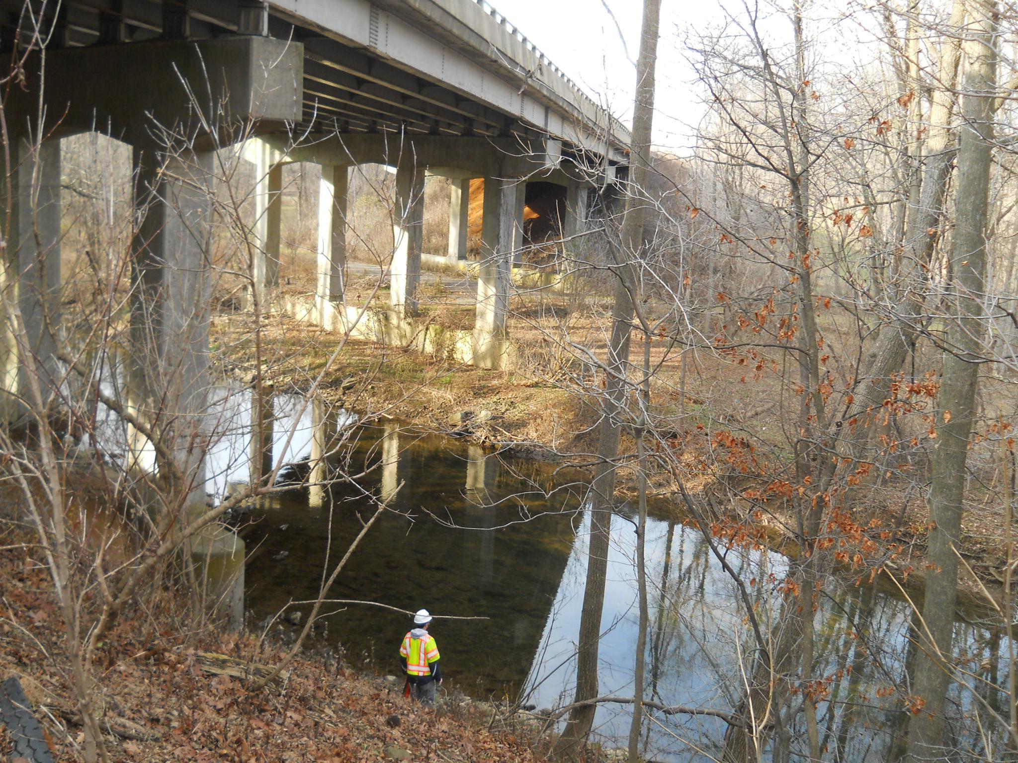 DSCN2809 looking north, PTK bridge over Little Lehigh.JPG