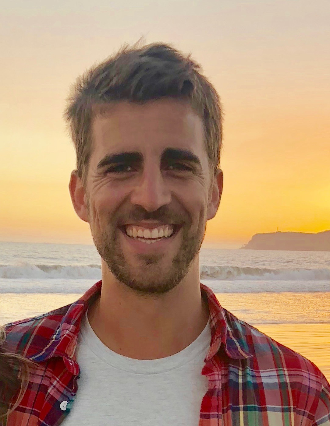 Asís Loustau - Originally from Madrid, Spain, Asís moved to Corpus Christi, TX in 2016 to work as a civil engineer. While living there, he discovered his passion for Acro Yoga. His life changed radically when he met Becca in San Diego, during an Acro Yoga meetup -a.k.a Acro Jam. The rest is history!