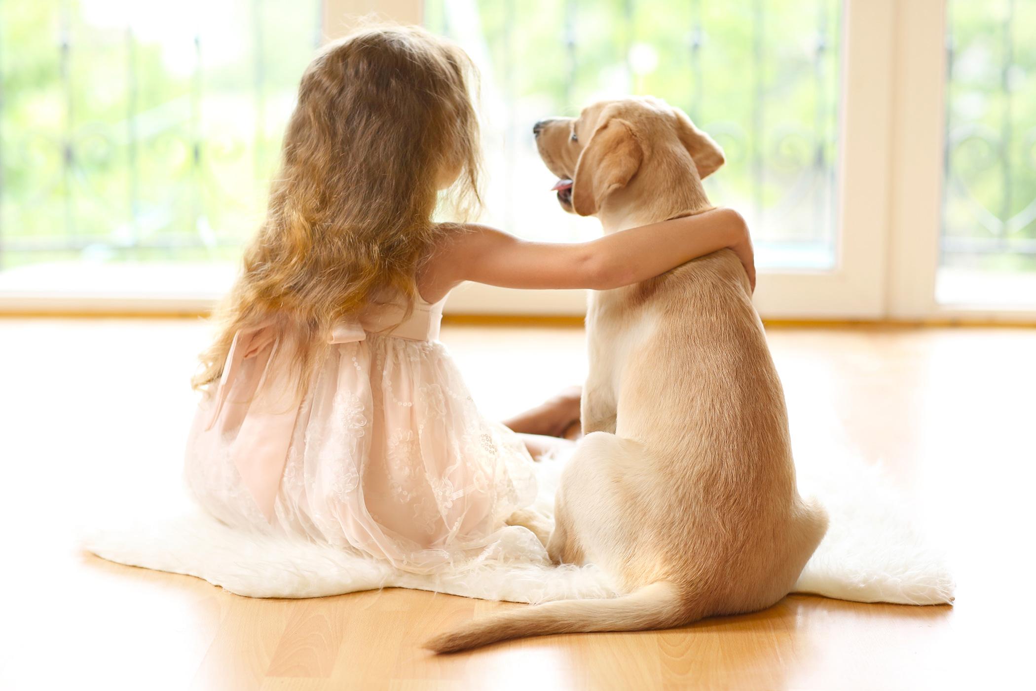 Girl_and_Dog@2x.jpg