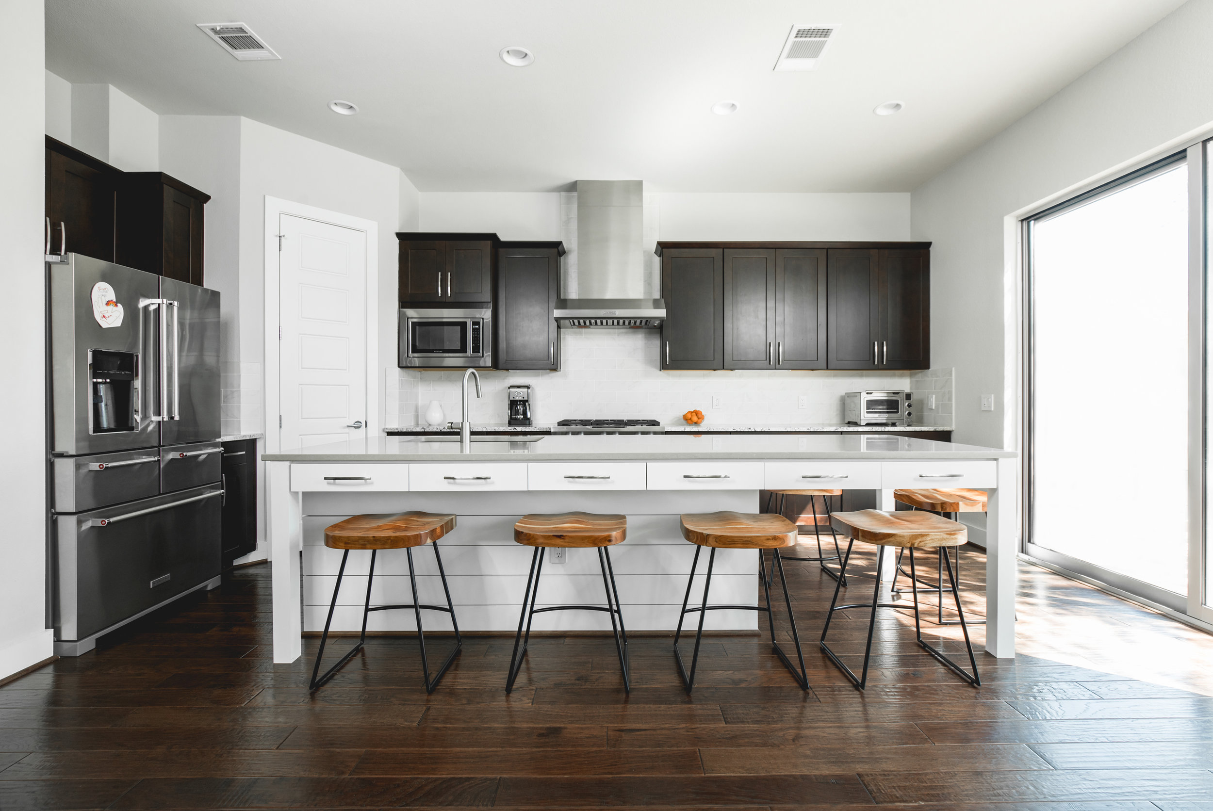 DEL CURTO kitchen - IN COLLABORATION WITH LIZ MACPHAIL Interiors, WITH PHOTOS BY BENNEtT Creative