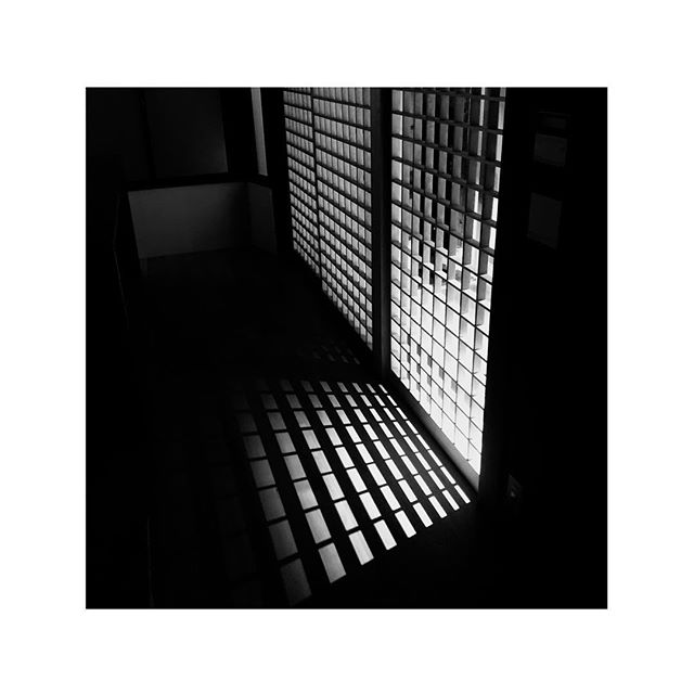 "Shadows. // B&W.03 . . ""Were it not for shadows, there would be no beauty"" - Junichiro Tanizaki . . .  #maanahomes #architecture #architecturephotography #renovation #photography #hotels #design #interiordesign #luxurytravel #interiorarchitecture #instagood #travel #japan #京都 #京都旅行 #旅行 #instagramjapan #instakyoto #kyotogram #kyoto #kyotojapan #kyototravel #jp_gallery #kyototrip #visitjapanjp #ig_japan #icu_japan #japantravel #blackandwhitephotography #shadows"