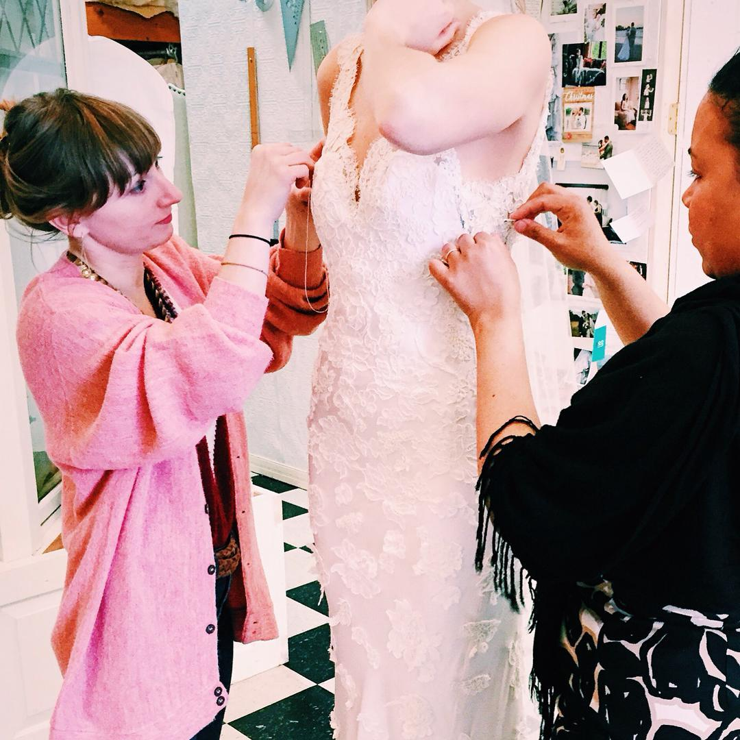 Responsibilities include:   -expertly pin bridal gowns to determine alterations needed  -explain to clients recommended work and pricing based on Ette's guidelines  -fill out paperwork to communicate to seamstresses and shop manager work to be completed  -schedule fittings with brides  -steam gowns prior to fittings  -maintain cleanliness and orderliness in dressing rooms  -aid brides in styling gowns with available merchandise  -maintain warm and friendly attitude and manage clients expectations and experience  - responsibilities include email and phone communications with clients  - appointment scheduling  - willingness to learn new fitting protocols and share your experiences with the Ette team  -Light cleaning as needed   Requirements:   -Must have experience fitting a variety of fine and delicate fabrics  -Must have basic sewing knowledge and experience  - Willingness and ability to meet with clients and advise them on alterations required, as well as best options for ensuring style and fit  -Flexibility to work retail schedule, including evenings and weekends  -Fluency in English  -Basic computer skills  -Knowledge of fashion and/or wedding industries  -Be a team player willing to adjust to new situations while maintaining a positive attitude   Compensation   -Paid vacation days that accumulate with time worked, as well as many paid holidays  -Option to buy into company health insurance.  -Competitive salary  -Pleasant work environment with small family-like team  -Opportunities for growth and compensation for skill-set development courses