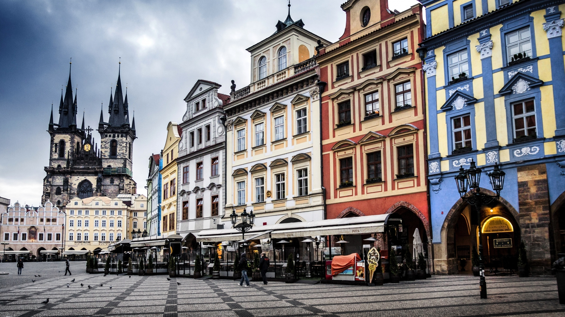 czech_republic_prague_street_building_evening_94209_1920x1080.jpg