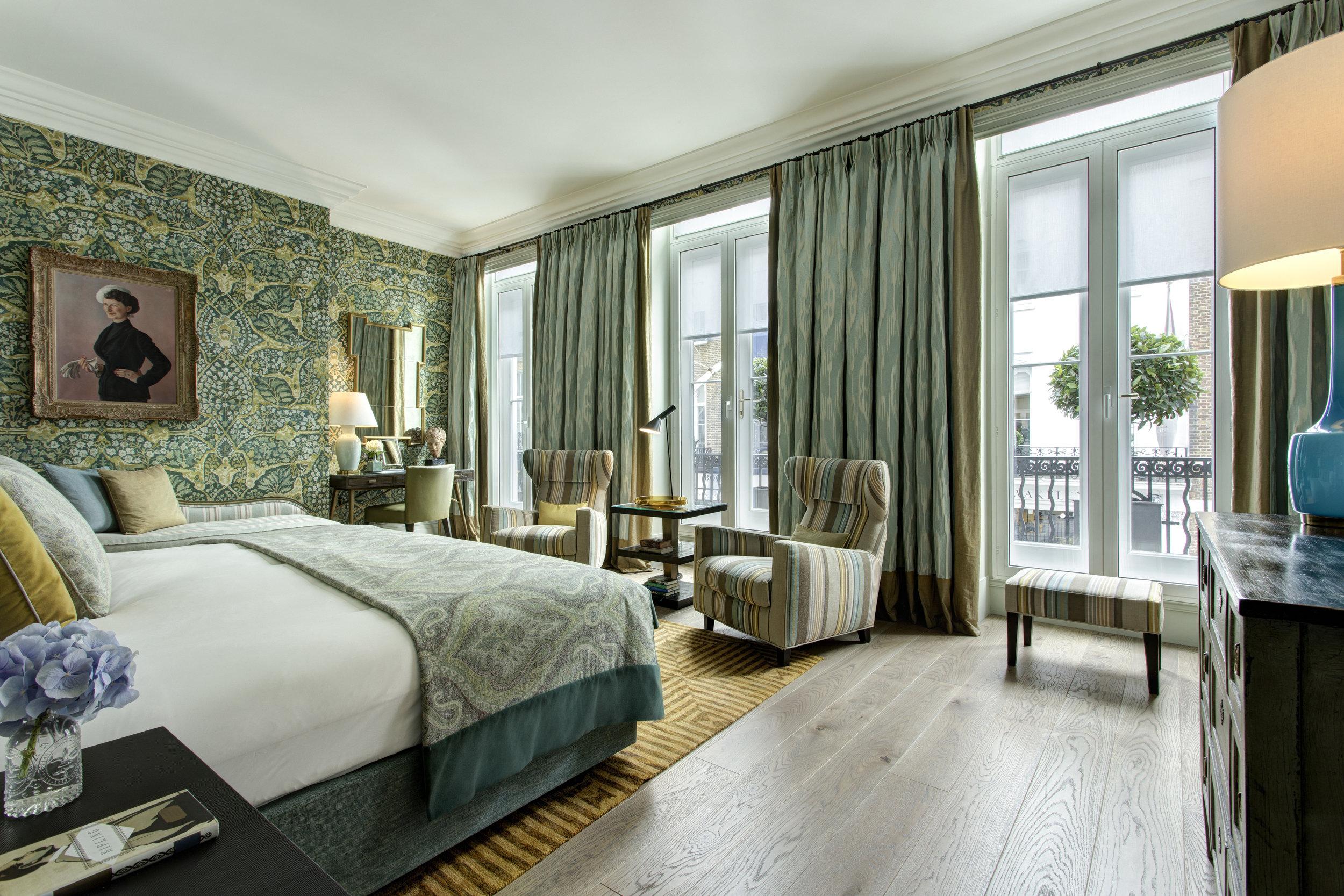 3 RFH Brown's Hotel - Kipling Suite 5979 Jul 17.JPG