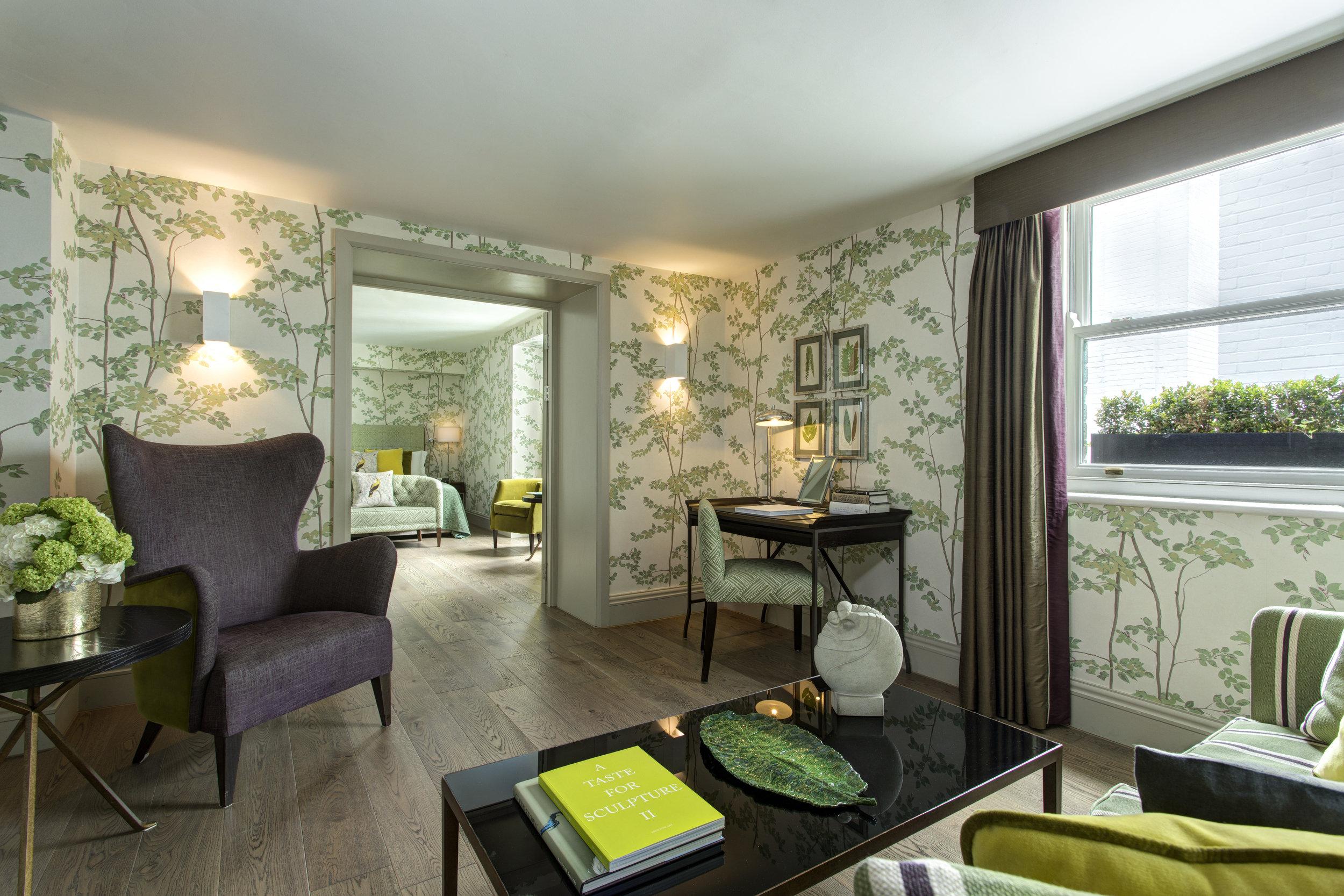 13 RFH Brown's Hotel - Brown's Suite 6368 Jul 17.JPG