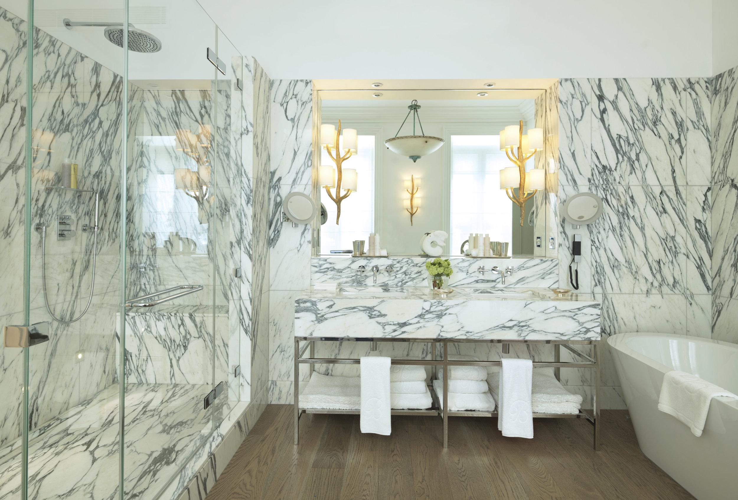 15 RFH Brown's Hotel - Kipling Suite Bathroom 0044r AH May 16.jpg